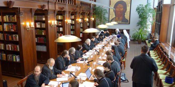 Настоятель прихода храма, ректор Донской духовной семинарии принял участие в заседании рабочей группы по подготовке воспитанников духовных школ к пастырскому служению